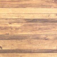 インテリアに使われる木目色を意識してセンスアップ!