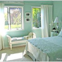 憧れのイメージ!柔らかく上品でフェミニンな寝室