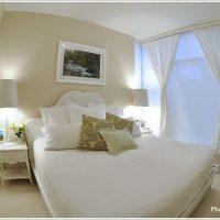 透き通るようなエレガントな寝室