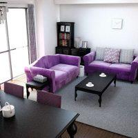 紫×黒インテリアで作るシックなリビングコーディネート