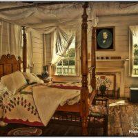 中世的クラシカルな寝室
