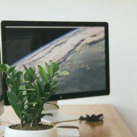 書斎・仕事部屋の風水インテリア 机の向きや方角を整える