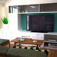 壁面収納とリビングボードに挟まれたマンションリビング例