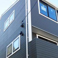素材感にこだわって建てた2LDK極小住宅